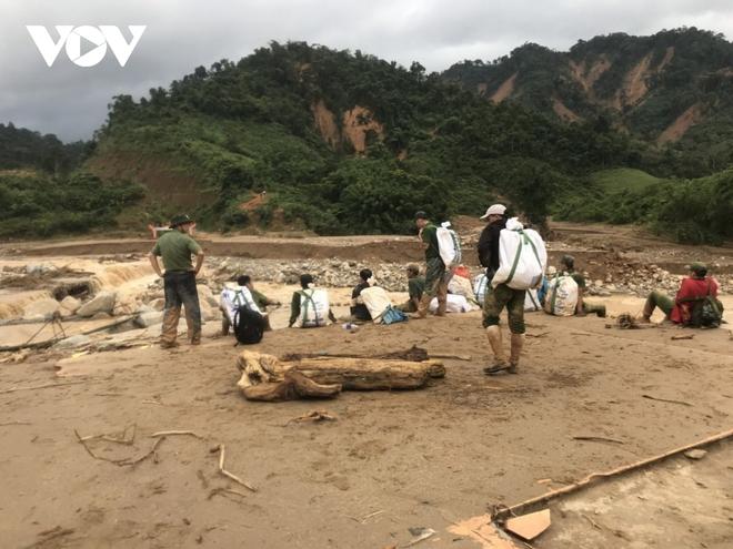 Tìm thấy thi thể Phó Bí thư Xã Đoàn khi đi giúp dân chống bão số 9 - Ảnh 6.