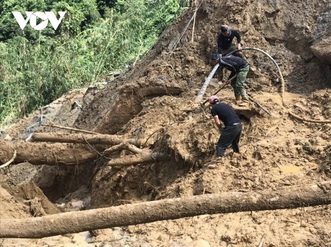 Tìm thấy thi thể Phó Bí thư Xã Đoàn khi đi giúp dân chống bão số 9 - Ảnh 9.