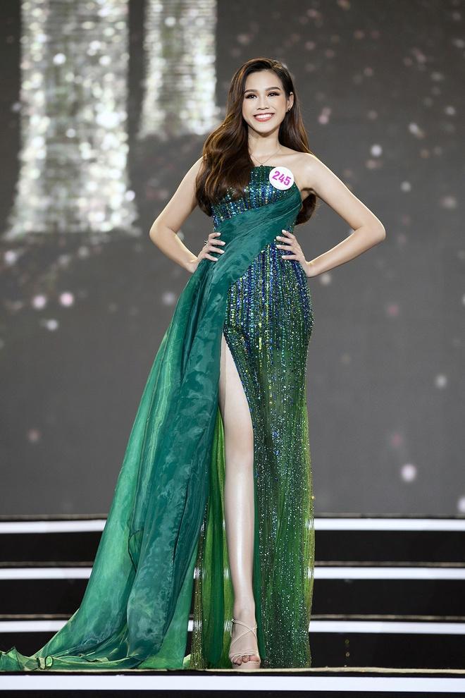 """Vượt qua hàng loạt đối thủ nặng ký, Đỗ Thị Hà đăng quang """"Hoa hậu Việt Nam 2020"""" - Ảnh 5."""