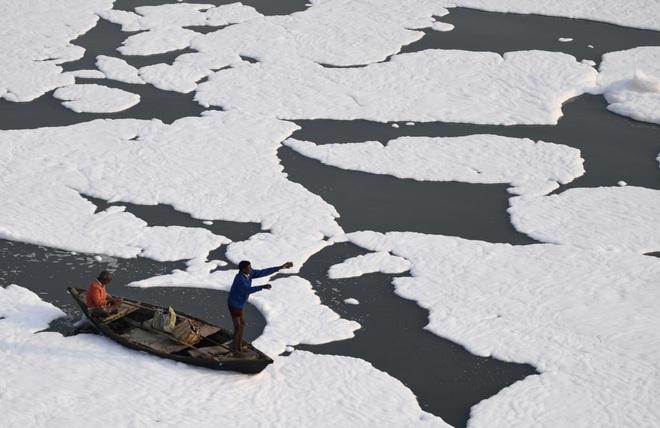 24h qua ảnh: Tuyết đầu mùa phủ trắng Vạn Lý Trường Thành - Ảnh 9.