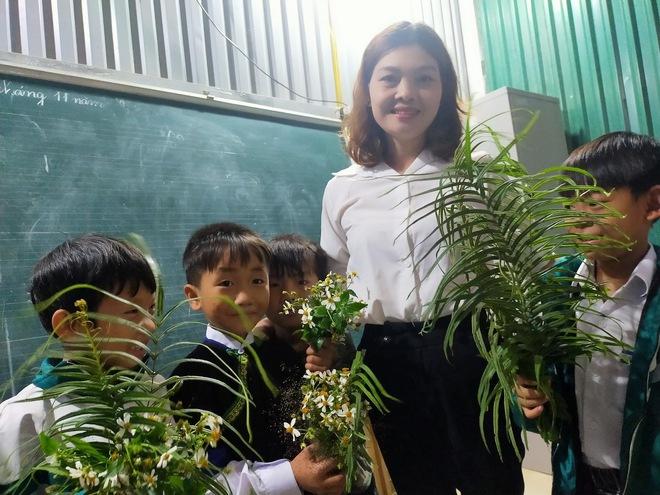 Món quà đẹp nhất của học sinh ngày 20/11 khiến cô giáo vùng cao vừa nhận đã rơi nước mắt - Ảnh 3.