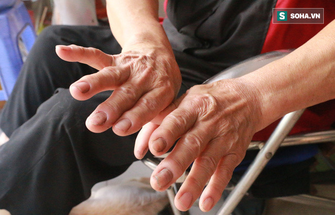 Cụ bà 72 tuổi cấp cứu ô tô suốt 50 năm ở Hà Nội và lời đáp trả khi bị xì xào nghề này của đàn ông - Ảnh 6.