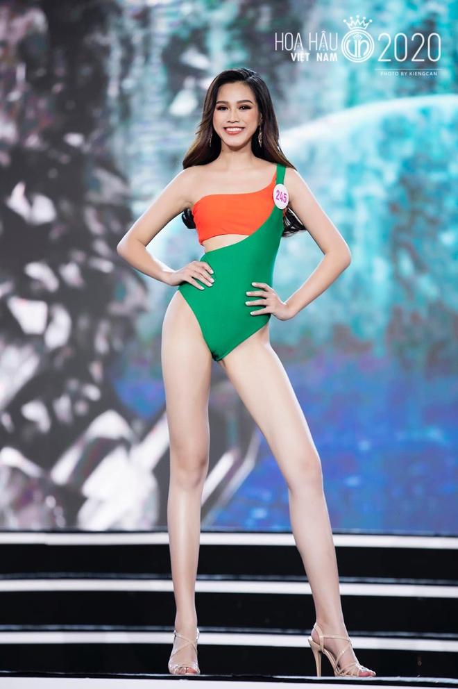 Ảnh nóng bỏng khó rời mắt của Đỗ Thị Hà - tân Hoa hậu Việt Nam 2020 - Ảnh 5.