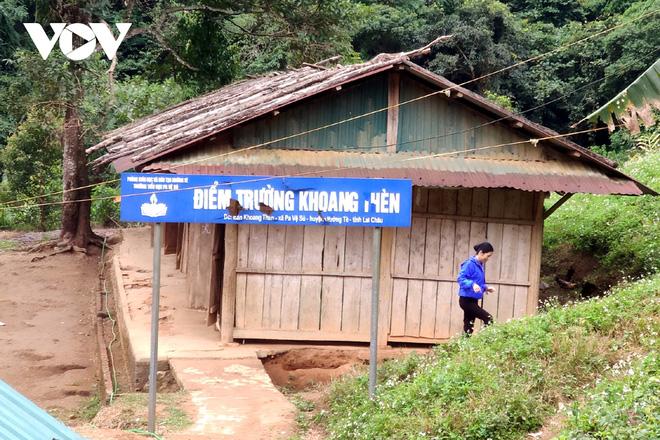 Chuyện gieo chữ bên sườn núi Pu Si Lung - Ảnh 1.