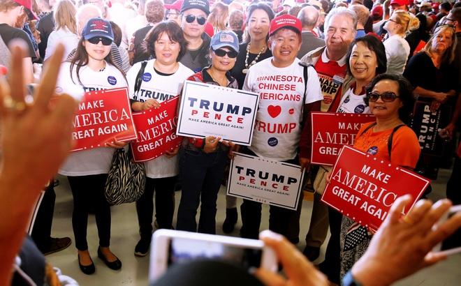 """Cử tri Mỹ gốc Hoa quyên tiền kiểm lại phiếu: """"Tổng thống Trump còn lâu mới thua"""""""