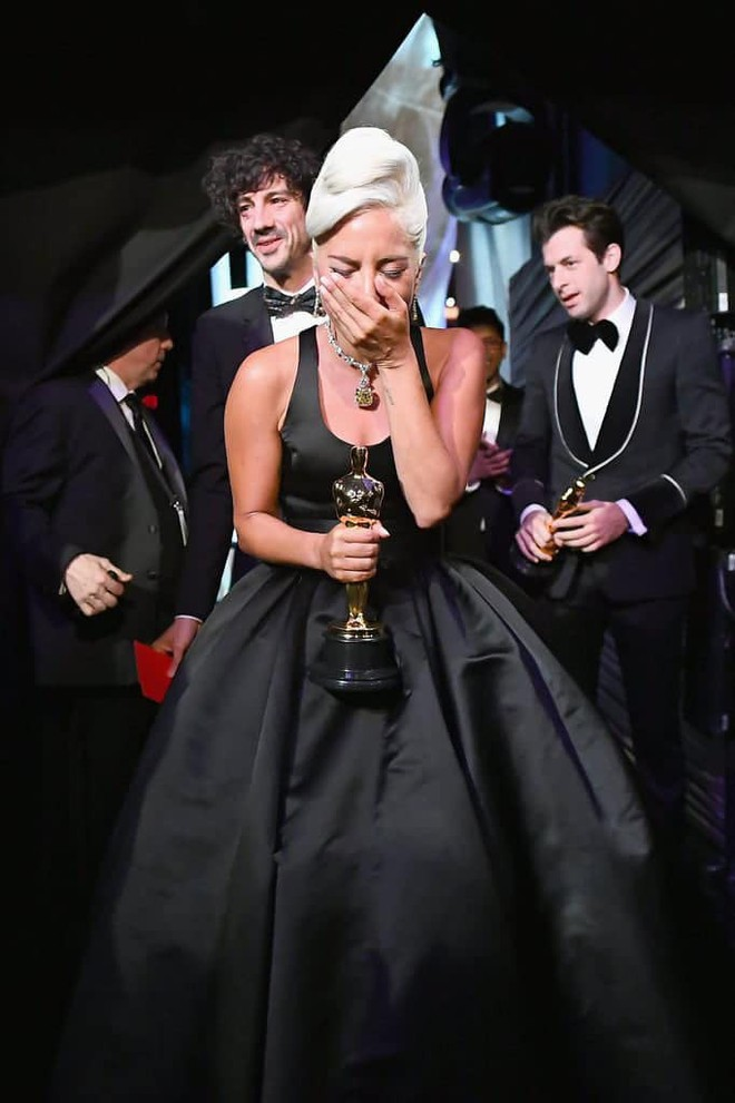 Lady Gaga và cuộc đời quá nhiều cay đắng: Bị xâm hại, sỉ nhục cả thế xác lẫn tâm hồn - Ảnh 9.