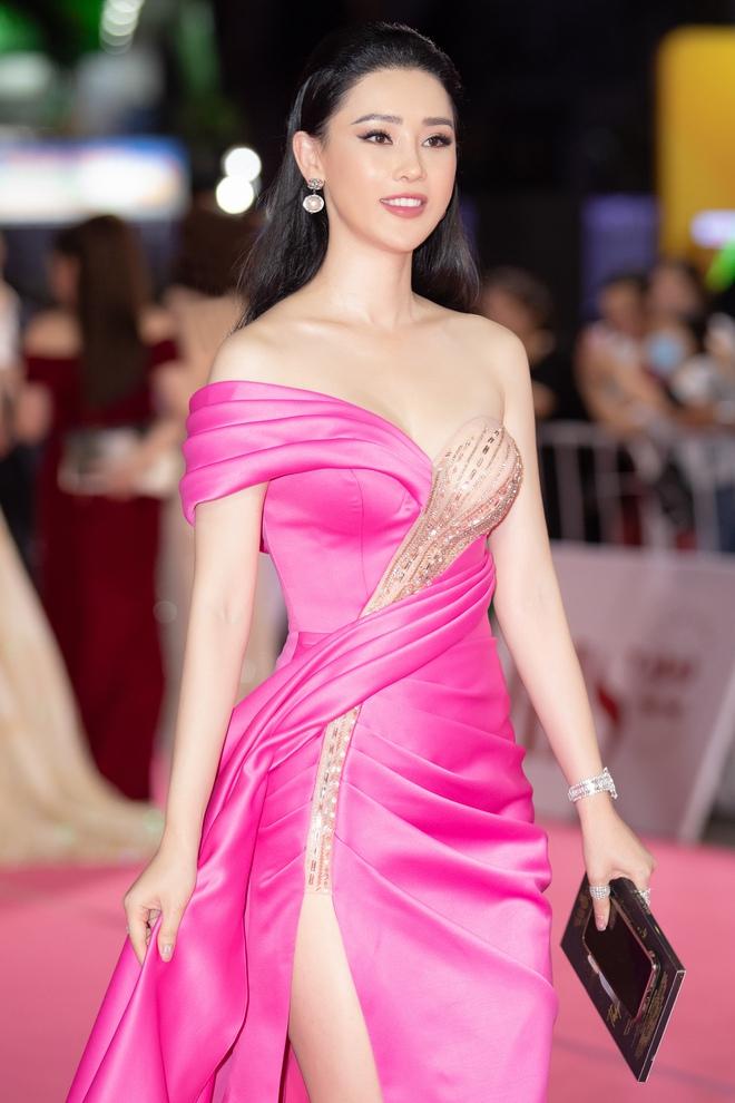 Thái Như Ngọc trao giải Người đẹp Nhân ái, khen mặt mộc Đỗ Thị Hà  - Ảnh 3.