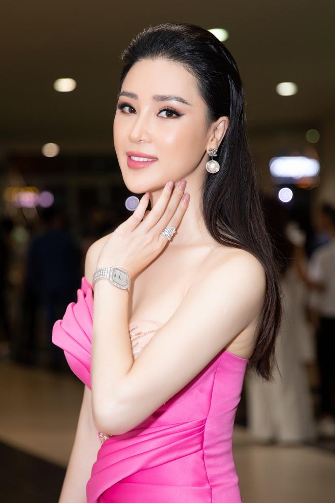 Thái Như Ngọc trao giải Người đẹp Nhân ái, khen mặt mộc Đỗ Thị Hà  - Ảnh 8.