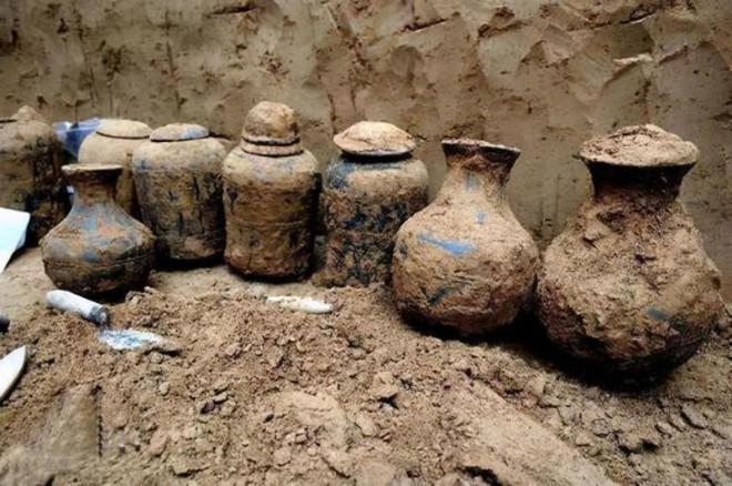 Vào mộ cổ 1800 tuổi tìm thấy 200 viên 'tiên đan': Kết quả phân tích thành phần khiến giới khảo cổ ngỡ ngàng - Ảnh 5.