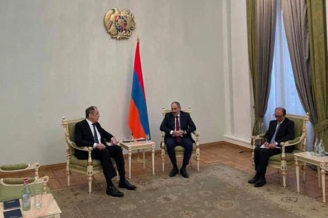 Tình tiết lạ khi Armenia tiếp đoàn 2 Sergei của Nga: Sự cố hay hành động có chủ đích? - Ảnh 1.