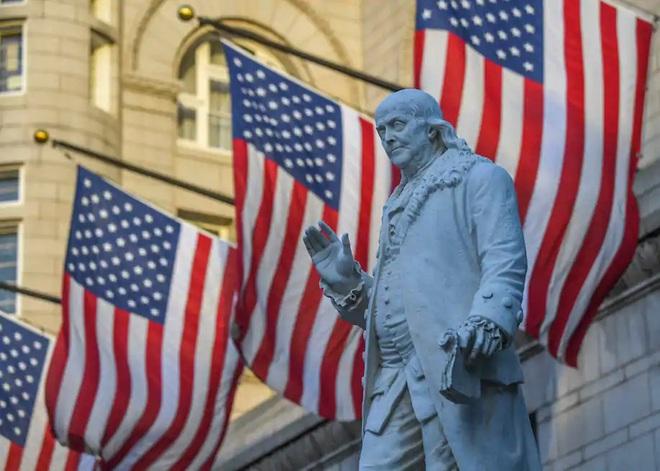 Ông Trump đang làm điều mà những nhà lập quốc Mỹ cũng không ngờ tới: Lịch sử sẽ sang trang? - Ảnh 2.