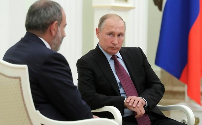 Thủ tướng Armenia Nikol Pashinyan và Tổng thống Nga Vladimir Putin. Ảnh: Az News