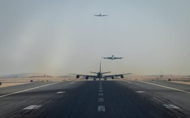 B-52 Mỹ bất ngờ tàng hình ở Israel trên đường bay tới Trung Đông: Chuyện gì đang xảy ra? - Ảnh 1.