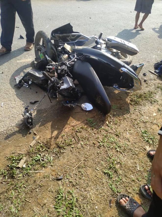 2 phụ nữ tử vong thương tâm khi xe máy đâm trực diện ô tô 7 chỗ - Ảnh 1.