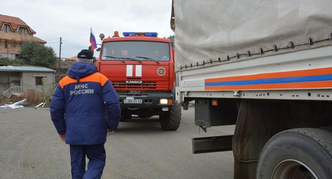 Quân đội Nga hứng chịu thương vong đầu tiên ở Nagorno-Karabakh - Máy bay ném bom Mỹ ùn ùn kéo tới Trung Đông, mục tiêu là Iran? - Ảnh 1.