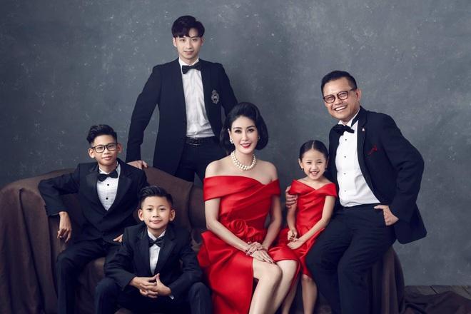 Choáng ngợp trước khối tài sản khủng của ba Hoa hậu giàu nhất Việt Nam - ảnh 4