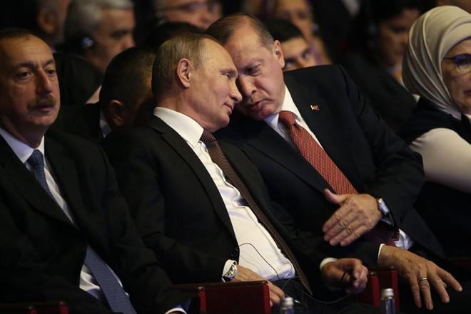 Ông Putin giăng bẫy, mưu đồ kéo Thổ Nhĩ Kỳ ra khỏi NATO: Không dễ! - Ảnh 1.