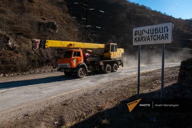 TT Erdogan tiếp tục giằng co với ông Putin về căn cứ Thổ - Armenia đốt phá sạch trước giờ G ở Karabakh - Ảnh 3.