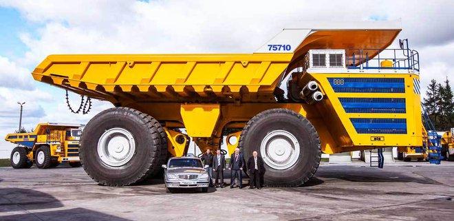 Những bức ảnh cho thấy nhiều thứ khổng lồ hơn bạn nghĩ: Chiếc xe tải cuối cùng gây kinh ngạc  - Ảnh 10.