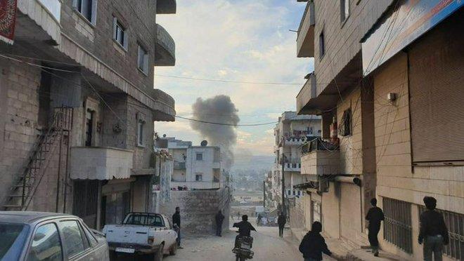 Căn cứ Armenia ở Karabakh chìm trong khói lửa trước mũi quân Azerbaijan - Tên lửa Israel ồ ạt tập kích miền nam Syria - Ảnh 1.