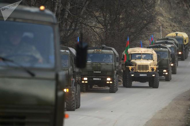 TT Erdogan tiếp tục cầu xin ông Putin về căn cứ Thổ - Armenia đốt phá sạch trước giờ G ở Karabakh - Ảnh 2.