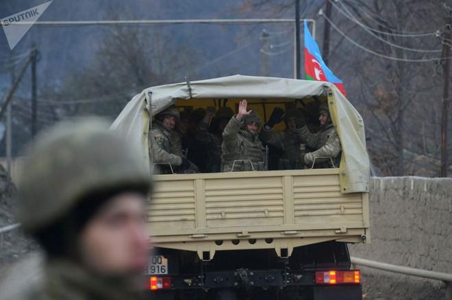 TT Erdogan tiếp tục cầu xin ông Putin về căn cứ Thổ - Armenia đốt phá sạch trước giờ G ở Karabakh - Ảnh 3.
