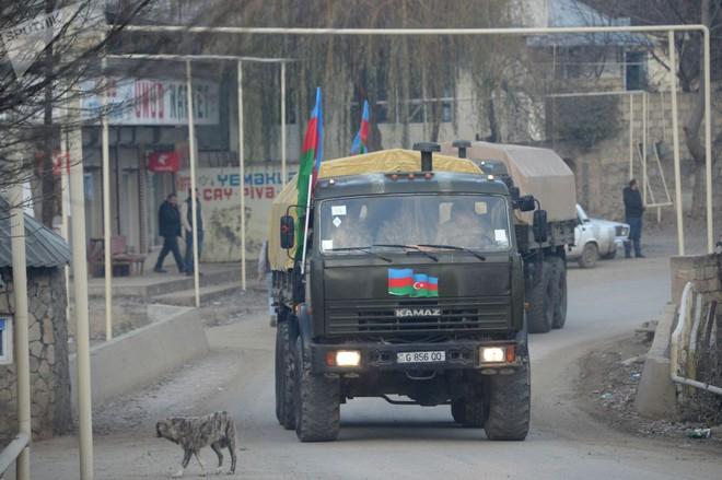 TT Erdogan tiếp tục cầu xin ông Putin về căn cứ Thổ - Armenia đốt phá sạch trước giờ G ở Karabakh - Ảnh 6.