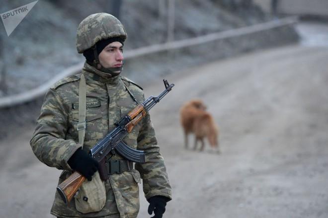 TT Erdogan tiếp tục cầu xin ông Putin về căn cứ Thổ - Armenia đốt phá sạch trước giờ G ở Karabakh - Ảnh 8.