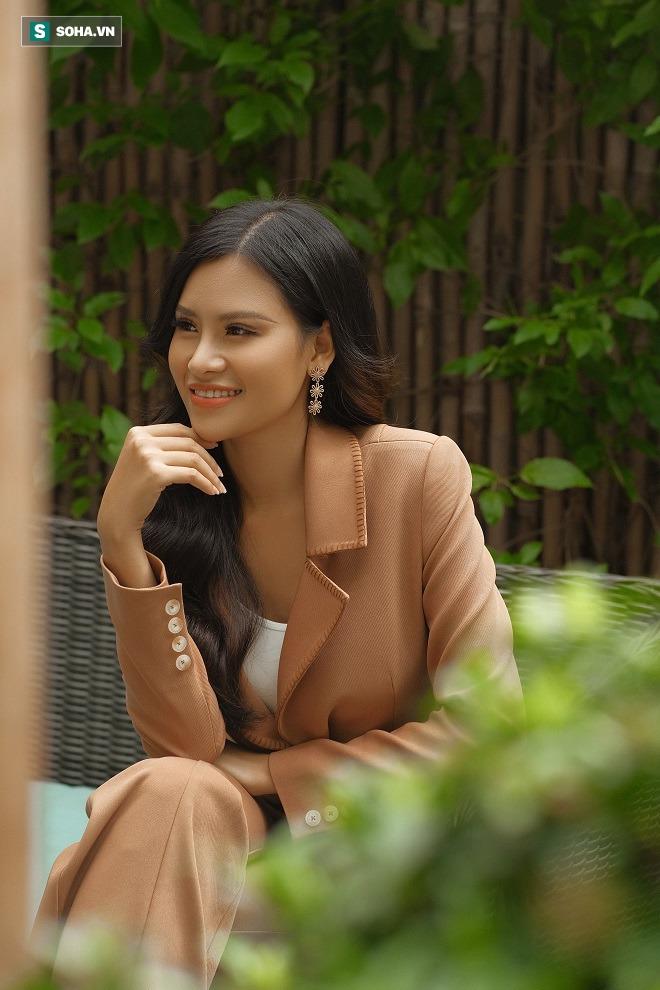 Thi chui, nhái váy dạ hội ở Hoa hậu Trái Đất và sự thật về người đẹp Thái Thị Hoa - Ảnh 4.
