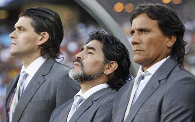 Tôn giáo Maradona và hàng loạt câu chuyện lạ lùng khó tin về Cậu bé vàng của Argentina - Ảnh 3.