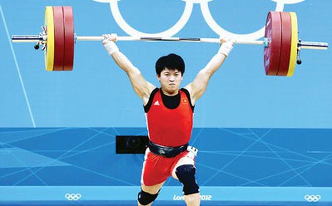 Lực sĩ Việt Nam bỗng nhiên được trao huy chương Olympic sau 8 năm, lý do khiến tất cả bất ngờ