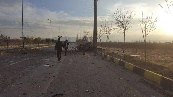 NÓNG: Cha đẻ của chương trình hạt nhân Iran bị phục kích gần Tehran, tử vong tại bệnh viện - Ảnh 2.