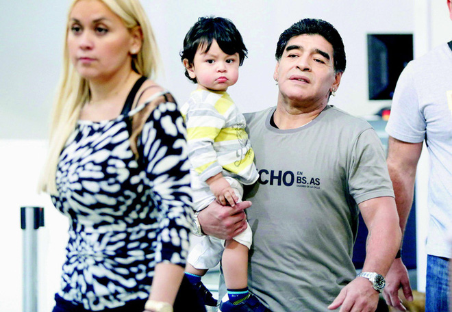 Cuộc chiến phân chia tài sản rắc rối giữa 11 người con Maradona - Ảnh 2.