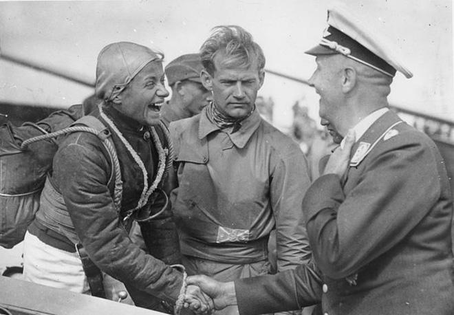 Sứ mạng phi công liều chết của các kamikaze Đức Quốc xã - Ảnh 1.