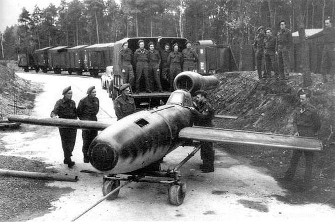 Sứ mạng phi công liều chết của các kamikaze Đức Quốc xã - Ảnh 2.