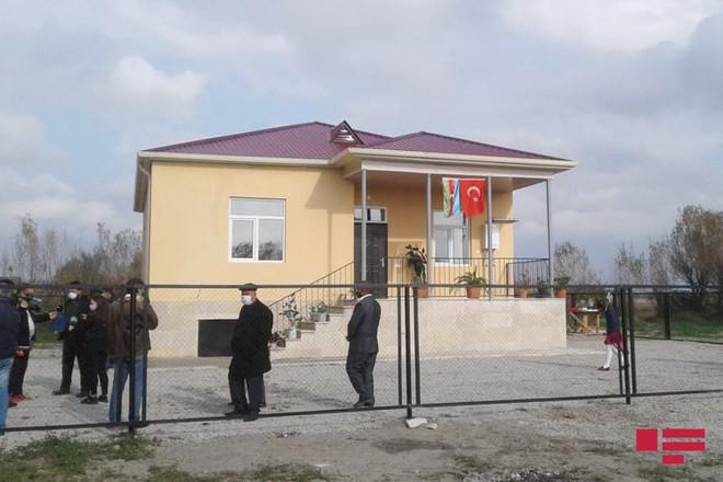 Báo Azerbaijan vô tình tiết lộ thương vong ở Karabakh, có khớp với số liệu của TT Putin? - Ảnh 1.