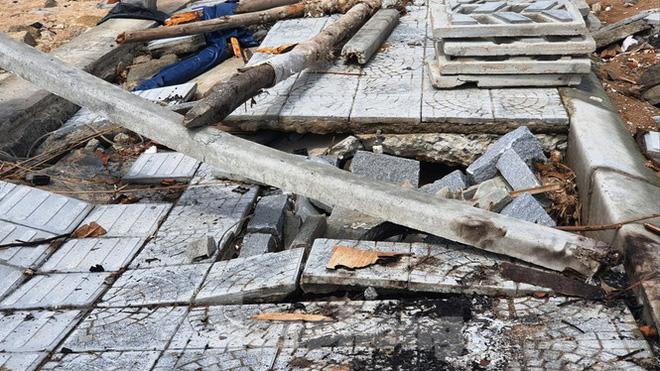 Đường đi bộ hơn 170 tỷ ven đầm ở Lăng Cô tan nát như gặp động đất - Ảnh 19.