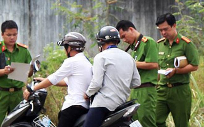 Tài xế xe ôm bị đánh vào đầu, cổ rồi cướp xe máy ở Sài Gòn
