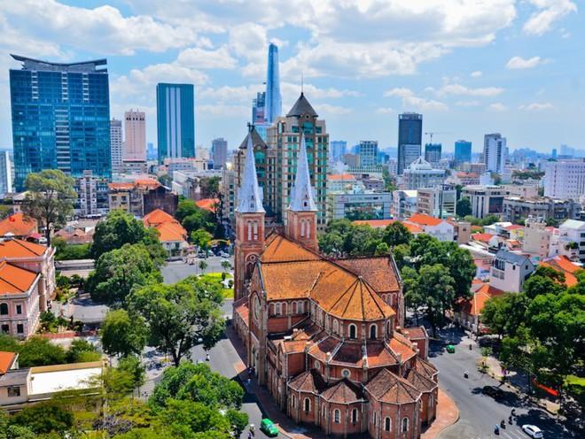 TPHCM vượt Tokyo, Bắc Kinh, trở thành thành phố đáng sống thứ 3 châu Á đối với người nước ngoài - Ảnh 1.