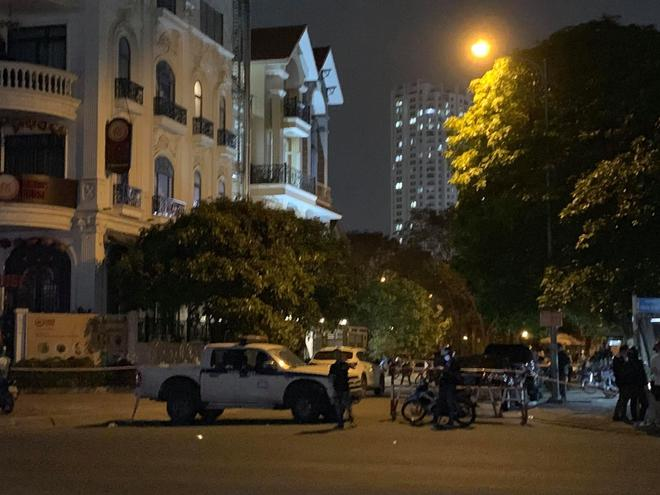 Nghi án giết người phi tang xác trong vali  tại căn nhà 3 tầng ở Sài Gòn - Ảnh 2.