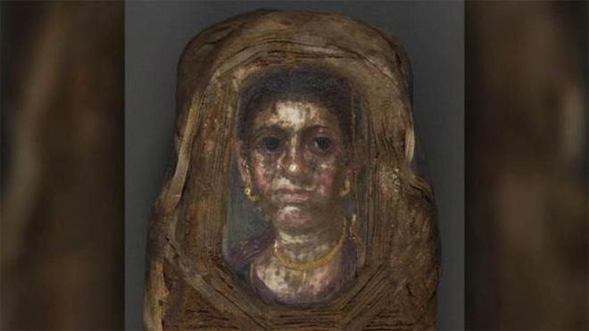 Máy CT tiết lộ bất ngờ về thiếu nữ bọc thạch cao trong hầm mộ - Ảnh 1.