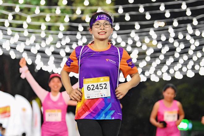 Dàn trai xinh gái đẹp đổ bộ giải chạy đêm lớn nhất tại Hà Nội - Ảnh 5.
