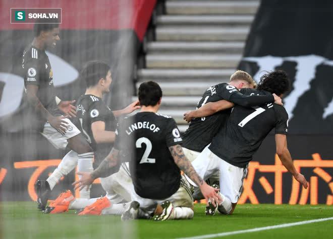 Cavani, Cavani, Cavani rực sáng đưa Man United từ cõi chết trở về - Ảnh 4.