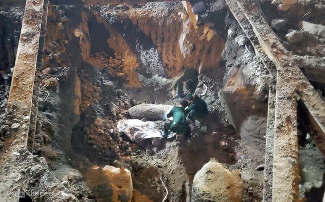 Vụ phát hiện bom tại Cửa Bắc: Phường khuyến cáo không dùng điện thoại trong bán kính 200m