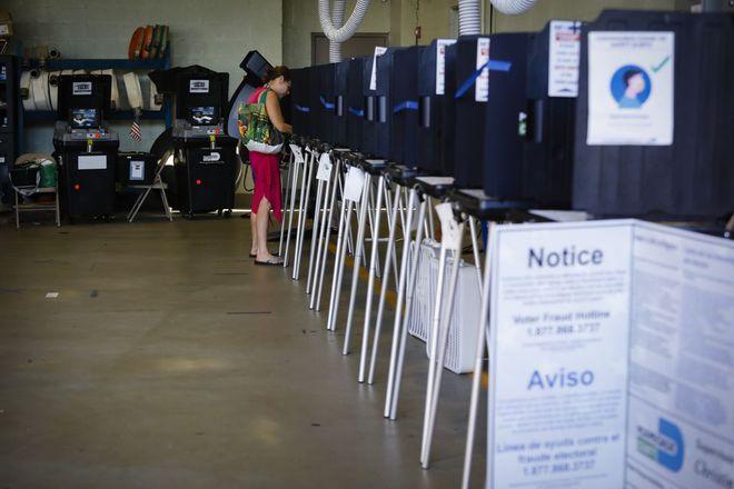 Quy trình kiểm phiếu bầu cử Mỹ năm nay có gì khác? - Ảnh 1.