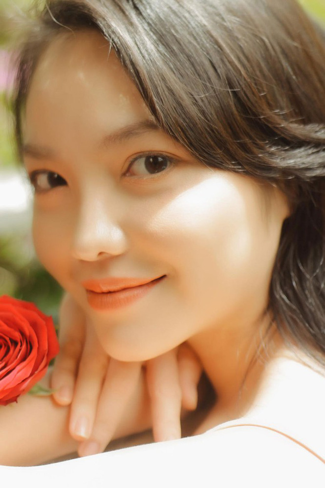 Hồng Kim Hạnh đẹp ngọt ngào ở tuổi 32 - Ảnh 9.