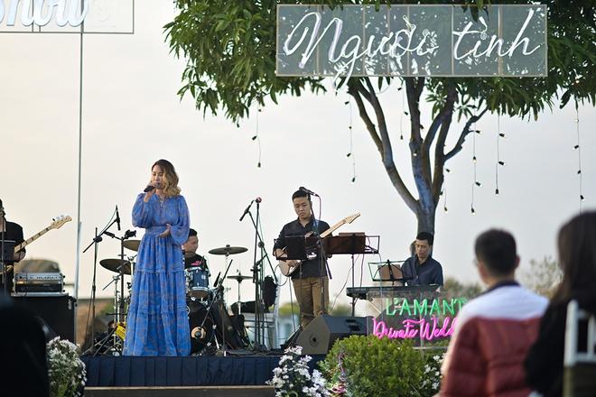Jimmii Nguyễn hát lại loạt ca khúc hit - Ảnh 4.