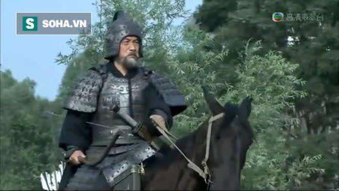 Hoàng Trung chém chết Hạ Hầu Uyên, Lưu Bị không khen mà lạnh lùng nói 1 câu, nghe xong cả Hoàng Trung và Trương Phi đều bất mãn - Ảnh 2.