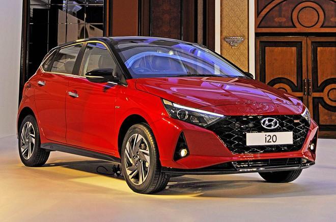 Cận cảnh những hình ảnh đầu tiên của Hyundai i20 giá từ 211 triệu đồng - Ảnh 2.
