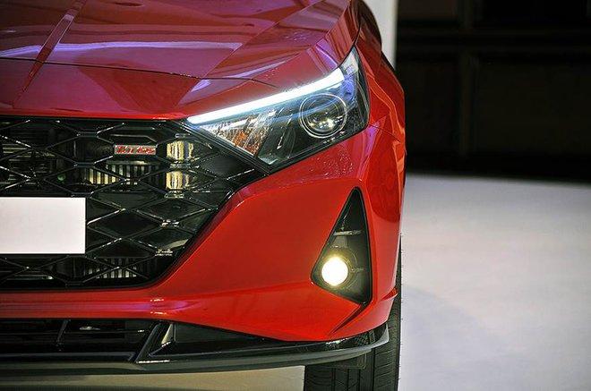 Cận cảnh những hình ảnh đầu tiên của Hyundai i20 giá từ 211 triệu đồng - Ảnh 3.